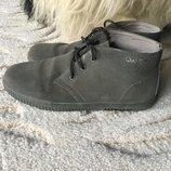 Замшевые ботинки с Венгрии 40 размер в идеале