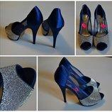 Стильные синии туфли в камнях 39,40 размер