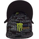 Стильная кепка с прямым козырьком и ярким логотипом Monster