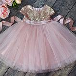 Нежное розовое платье с паетками