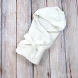 Вязанный конверт- плед для новорожденного на выписку с кисточкой