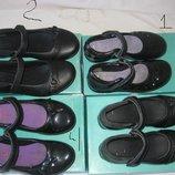 Туфли Clarks Англия оригинал 29-34 размер.Кожаные. с мигалками. В идеальном состоянии . Красивые, о