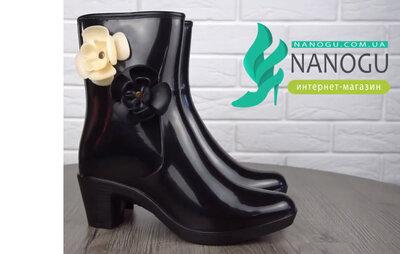 Ботильоны Coco Chanel резиновые женские черные ботинки на каблучке с цветами на молнии