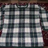 Продам красивый мужской свитер размер Л в хорошем состоянии
