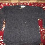 Продам красивый мужской свитер размер С-М в хорошем состоянии .
