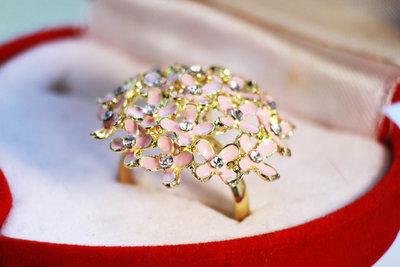 Кольцо в бриллиантах Цвета в ассортименте. Подарок, кольца, колечки