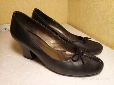 Туфли модельные размер 38 фирмы Wuvkel, б/у