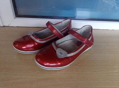 Туфли для девочки размер 30, стелька 18,5 см