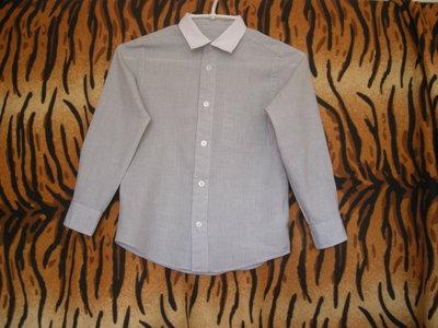 Рубашка в серо-белую клеточку f&f 7-8лет,65%пол-р,35%коттон.