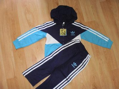 Спортивный костюм Adidas новый р. 104
