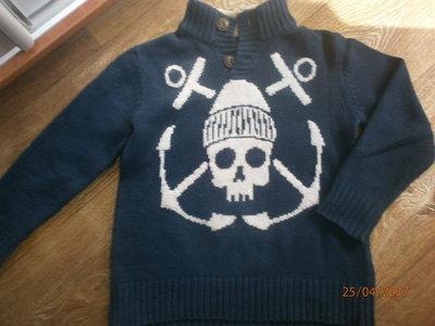 Теплый свитер Gap на 6-7 лет.