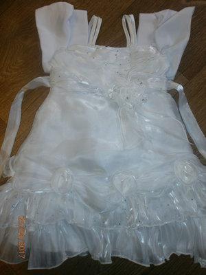 Белое нарядное платье на 18-24 мес