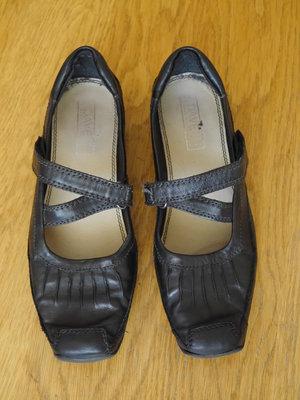 Туфлі шкіряні розмір 38 стелька 25 см Dave