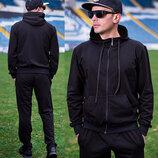 Акция на мужские спортивные костюмы - 30 %. Украина.