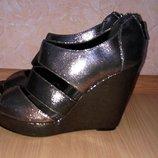 Новые your feet look gorgeous босоножки 39р по ст 25.5 см ширина 8 см танкетка 11 см
