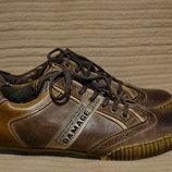Оригинальные комбинированные кожаные кроссовки Damage Англия. 46 р.