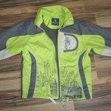 Демисезонная курточка,куртка.