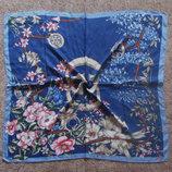 Стильные шелковые платки