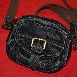 маленькая кожанная сумочка