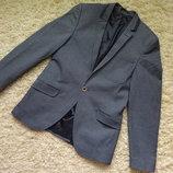 Модный пиджак для мальчика подростка