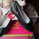 Туфли черные для девочки, новые, р. 29