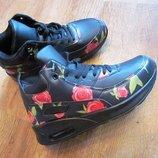Скидки Суперовые, стильные кроссовки со скидкой
