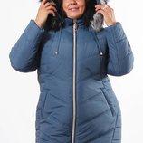 Женская куртка приталенного силуэта выполнена из водоотталкивающей плотнойРазмерный ряд от 52 по 62.