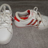 Кожаные белые кроссовки Adidas. Размер 29 11 .