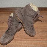 Р. 40 - 26 см. Мужские утепленные ботинки, замшевые фирменные.