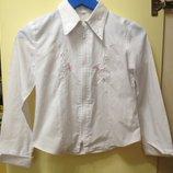 Школьная белая рубашка блузка с вышивкой девочке 6-7 лет