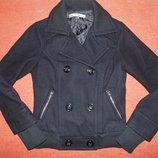 Стильная черная куртка-пальто, короткое пальто Bershka. Размер M.