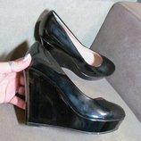 Очень удобные легкие туфли на танкеточке