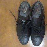 Туфли женские, черные фирмы triver flight 41 размер, на ногу со стелькой 26-26,5см.