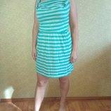 Яркое летнее короткое платье в полоску bench