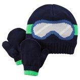 Комплект шапка на флисе и варежки для мальчика Carters синии очки