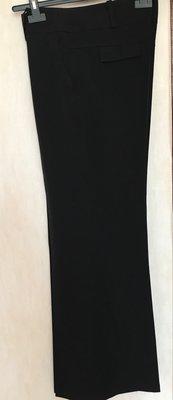 Демисезонные брюки, прямой крой к низу расклешены,100%вискоза