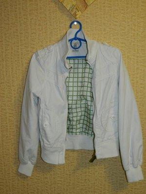 Демисезонная женская куртка белая р. 42-44 можно на девочку подростка