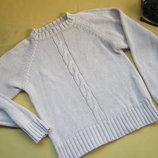 Фирменный красивый плотный свитер джемпер в косичках,отличное состояние