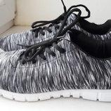 Стильные серые кроссовки под Adidas
