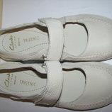 Туфлі нові брендові шкіряні шикарні дихаючі Clarks Оригінал р.38 стопа 24 см