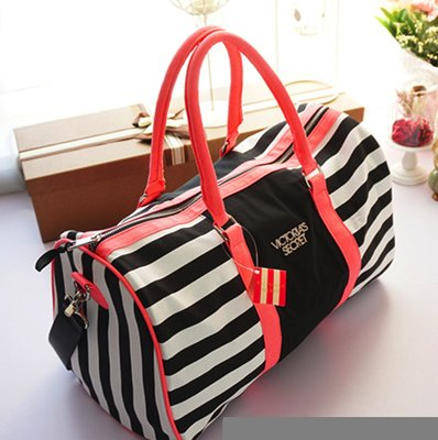 a51a4a746e94 Дорожная, спортивная сумка в полоску Victoria's Secret 1719. Previous Next