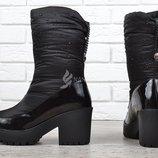 Сапоги женские дутики зимние черные на каблуке Prima d'Arte в камнях