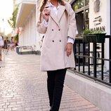 Пальто с брошкой шанель