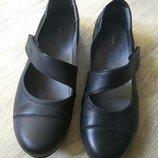Кожаные туфли Clarks новом сост, 23,5см