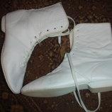 Кожаные стильные ботинки на 36-37 размер