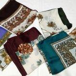 Платки разных расцветок , размер 75х74. Новые.