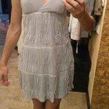 серое платье с базромой