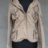 Цена снижена Куртка с капюшоном