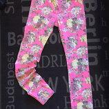 Яркие джинсы,цветочный принт,р.S