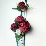 Бутоньерки с пионами цвета марсала для жениха и невесты или свидетелям